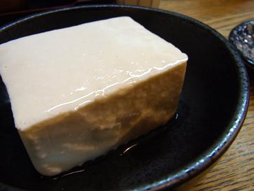 「うちの豆腐に醤油なんかかけたら殺すぞ!」だそうです