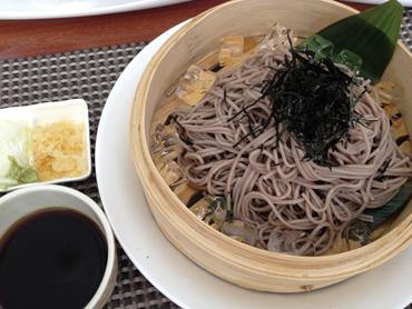 蕎麦はともかく麺つゆで日本酒を