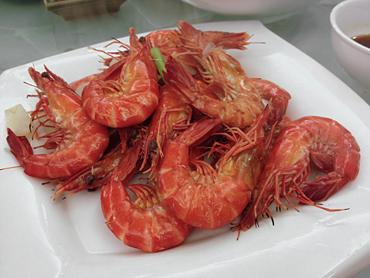 清蒸鮮魚とか定番料理が続き満腹