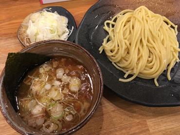 南チャイや香港にはない味を楽しむ