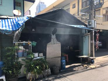 Silom Complexの裏手