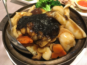 アワビと海鮮の醤油煮込み