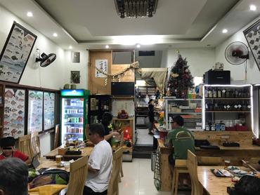 日本人はぼっち客率高し?