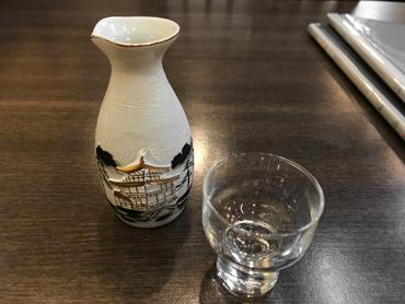 日本酒はまだメニューになかったり